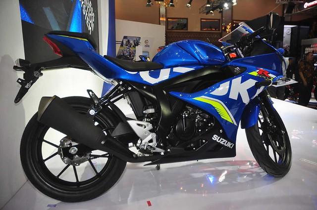 Suzuki-GSX-R150-(9)
