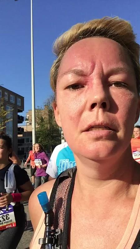 15 kilometer punt tijdens de Amsterdam halve marathon