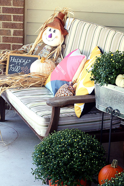 Scarecrow-and-Bench-Mums