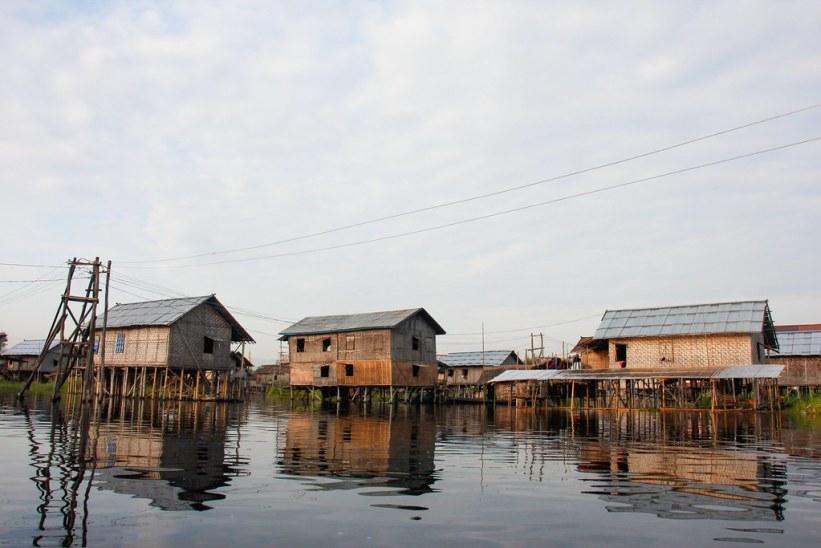 flydende landsbyer på Inle Lake i Burma