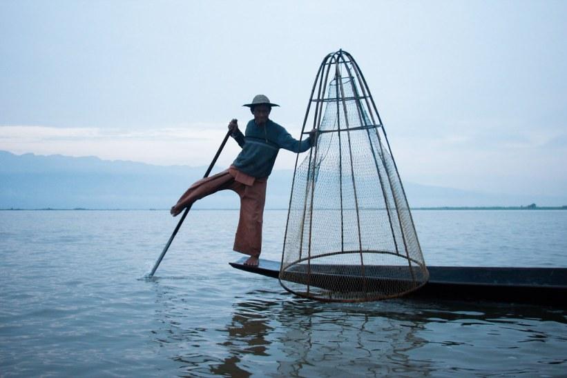 benroende fiskere på Inle Lake
