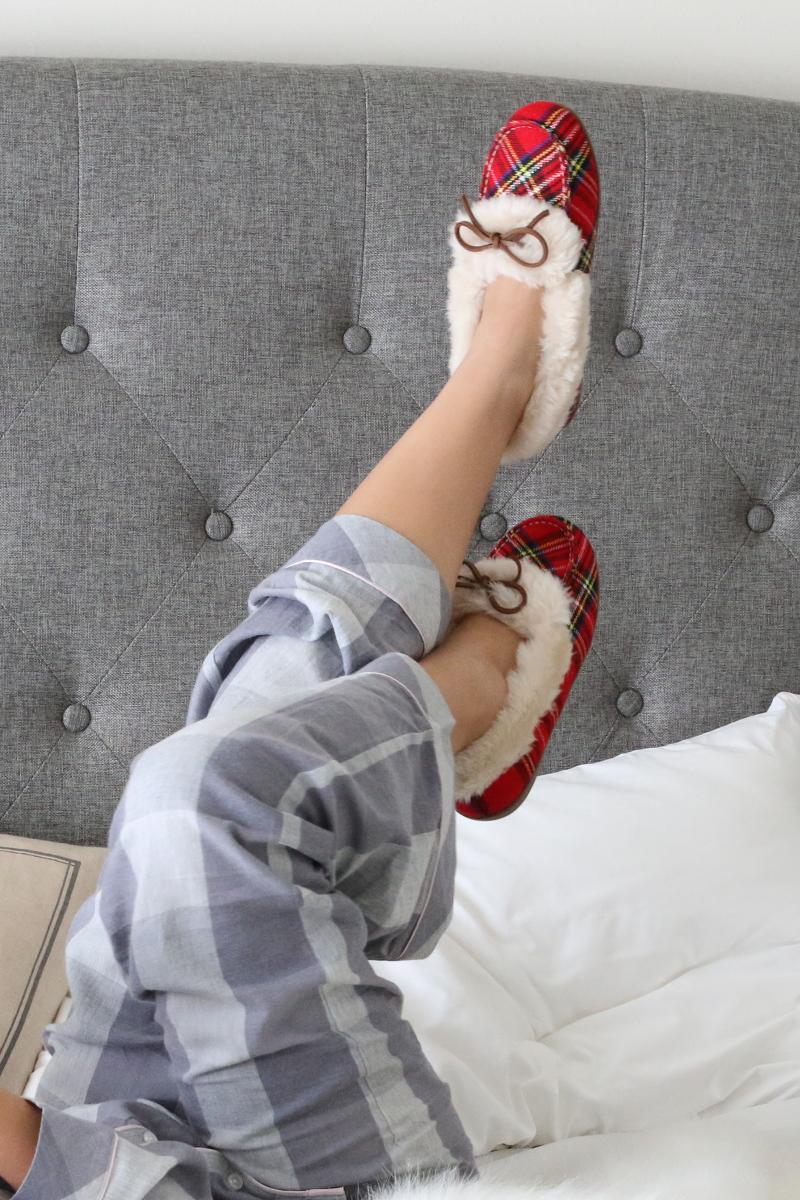 Vionic-Shoes-plaid-slippers-8