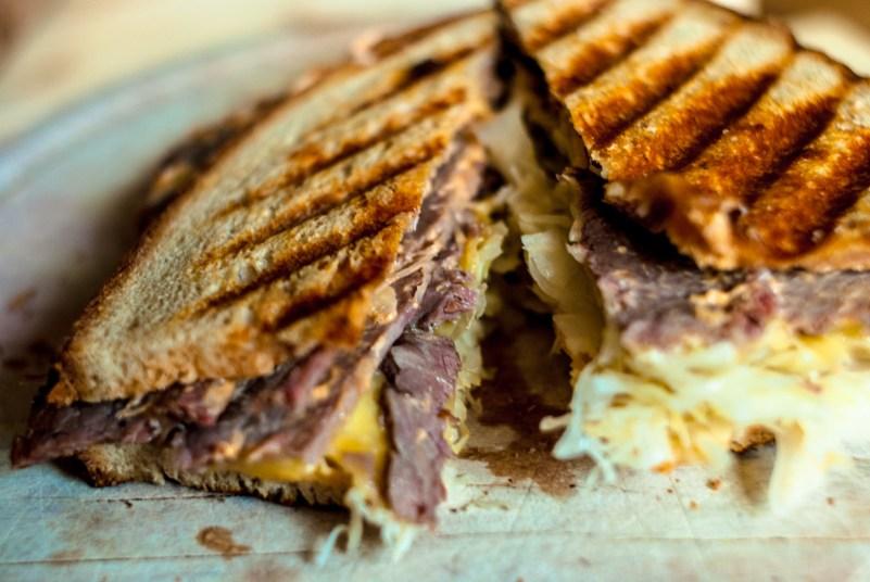 Kanapka Reubena (Reuben sandwich)