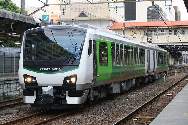 Series HB-E300 at Takasaki Sta.