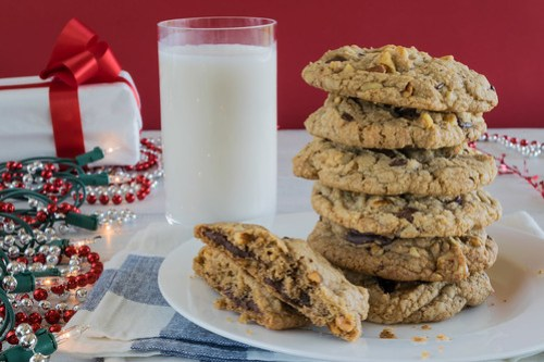 thick and chewy chocolate chunk cookies with toasted walnuts