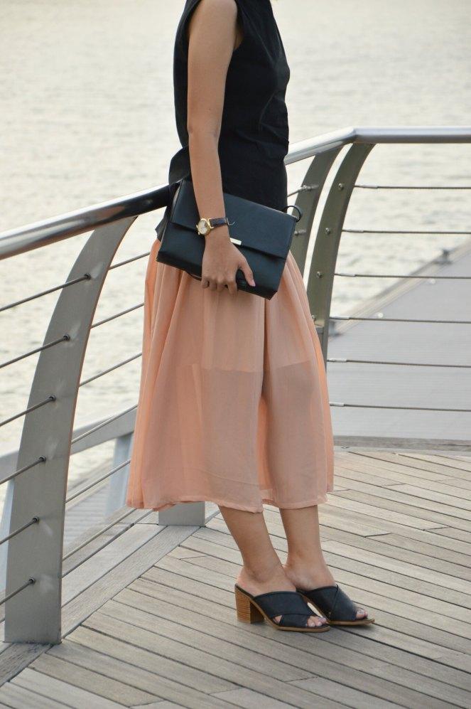 minimal bag, black mules, maxi chiffon skirt, H&M