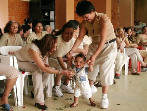 Piden destinar presupuesto para niñas y niños que nacen en penales