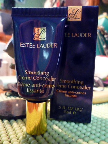 Estee Lauder Smoothing Creme Concealer