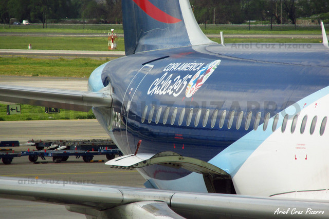 LAN Airlines - Santiago (SCL) - Airbus A320 CC-BJB