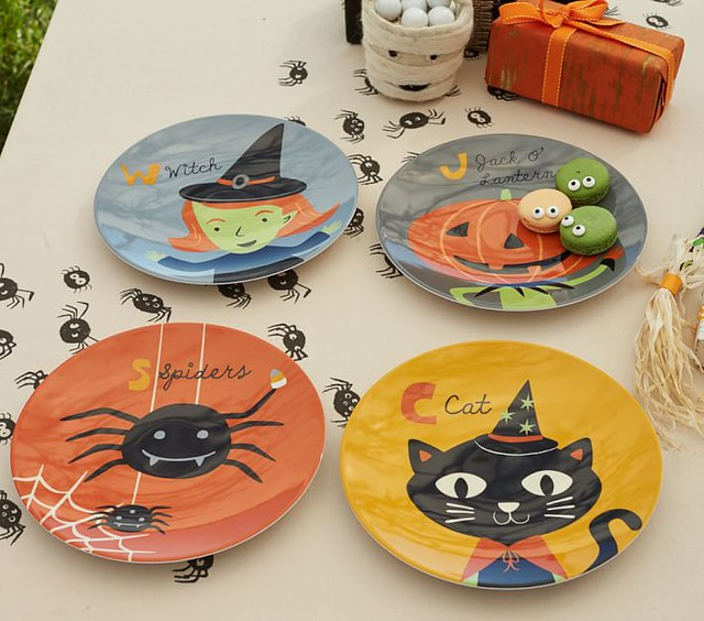 Halloween plates and tablecloth