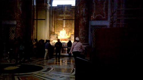 La Pietà vaticana y el baldaquino