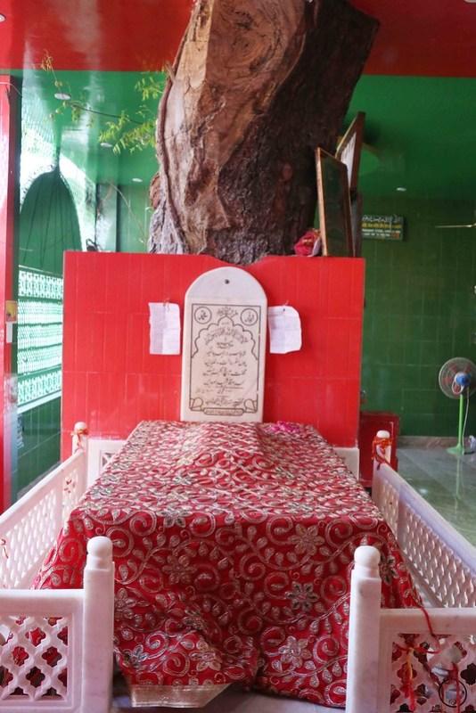 City Monument – Restored Edition, Hazrat Sarmad Shahid's and Hazrat Hare Bhare Shah's Sufi Shrines