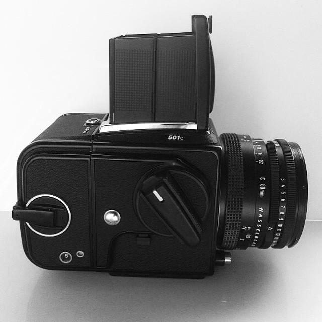She's arrived! 😁 #selfie 3 #hasselblad #hasselblad501c #mediumformat #filmcamera #film #6x6 #hasselbladlove #ilovefilm #filmisnotdead #beautiful #cameraporn www.MrLeica.com