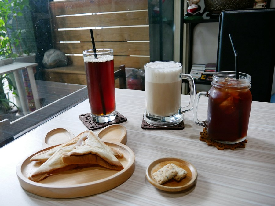 8號咖啡館,八號咖啡館,手沖咖啡,拿鐵,桃園美食,龜山咖啡館,龜山美食 @VIVIYU小世界