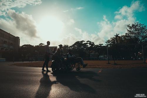 2019農曆春節,曬太陽的人們依舊不變。