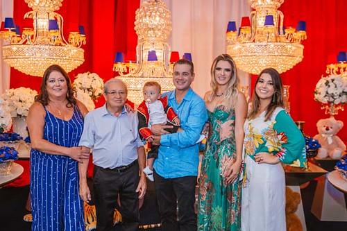 Adriana, Sr. José Martins, avô de Lorenzo, e Ana Paula, com os anfitriões