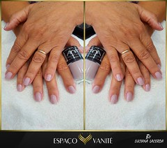 "Unhas-brancas-luciana-1001 • <a style=""font-size:0.8em;"" href=""http://www.flickr.com/photos/141532912@N04/47989634817/"" target=""_blank"">View on Flickr</a>"