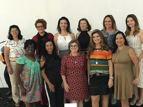 Grupo com mulheres do Conselho da Mulher Empreendedora das três cidades