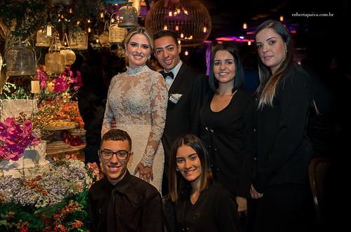 A noiva com Wesley Schimdt e equipe de sua assessoria