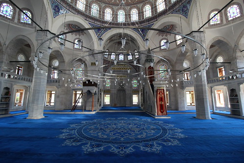 "Yeni Cami (New Mosque) - Istanbul, Turkey • <a style=""font-size:0.8em;"" href=""http://www.flickr.com/photos/104409572@N02/48206255936/"" target=""_blank"">View on Flickr</a>"