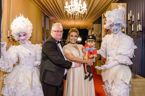 KeithWebb e Michele com o pequeno príncipe Benjamin