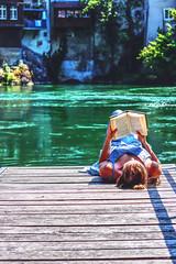 Lesen am Rhein