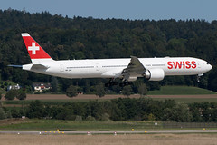 HB-JNC, Boeing 777-3DE(ER), Swiss International
