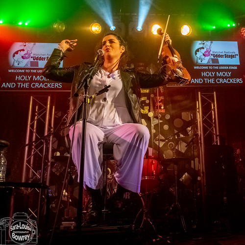 Holy Moly & The Crackers at Watchet Festival 2019