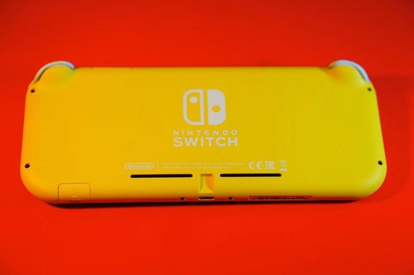 Switch Lite本体裏面