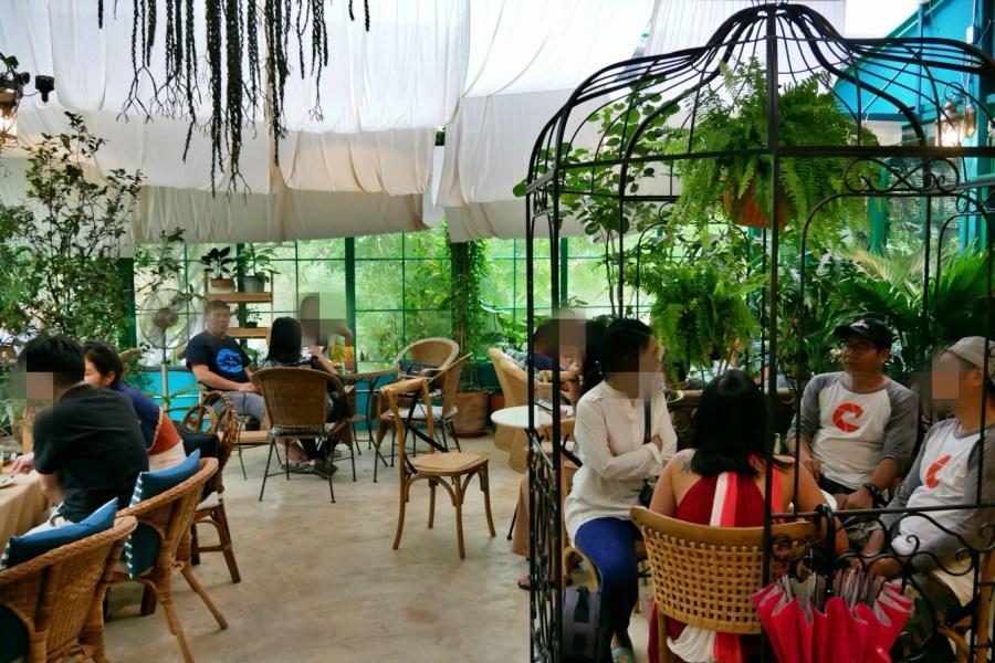 [羅勇美食]The Creeper House咖啡館|森林系花園咖啡廳.蛋糕華麗~被綠意圍繞.室內空間有大鳥籠座位區 @VIVIYU小世界