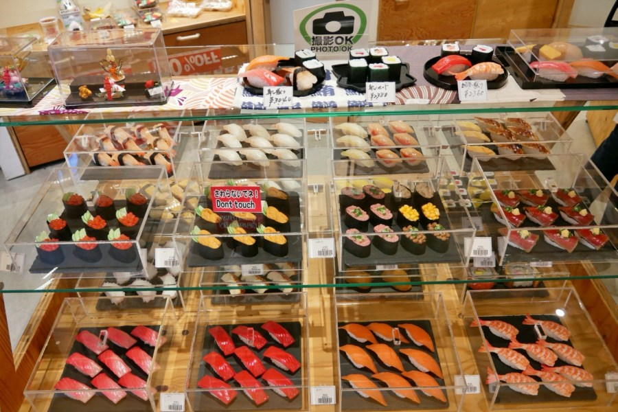 [大阪購物]千日前道具屋筋商店街 特色商店街~巷弄中好逛的調理用具專賣店.食玩模型通通有 @VIVIYU小世界