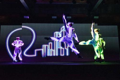 Apresentação de grupo de dança do Casa Laboratório encantou