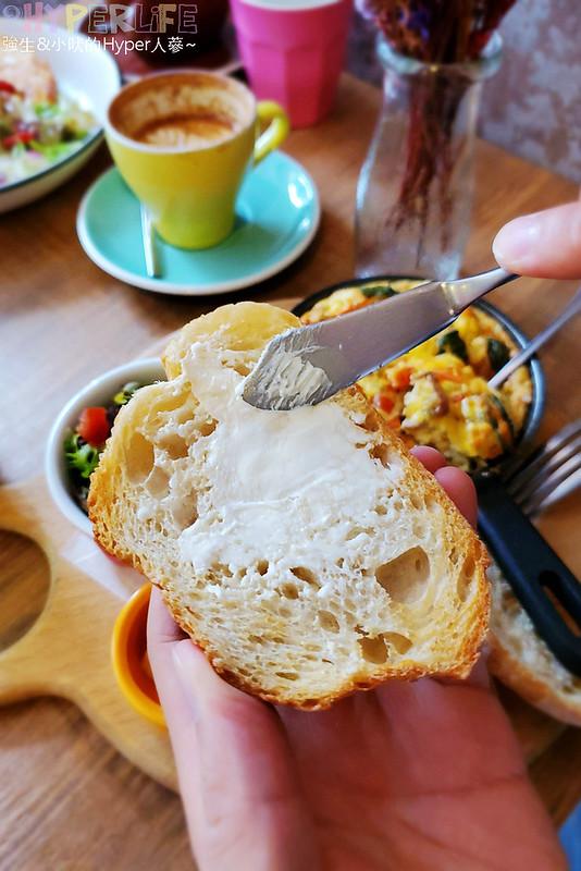 49378990583 a9c2994918 c - 帶點小酒館風格的澳式早午餐,Juggler cafe餐點食材和口味有花心思,早午餐控覺得很可以!