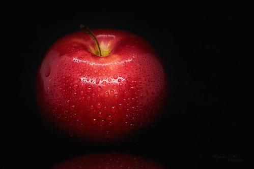 apple ,drops