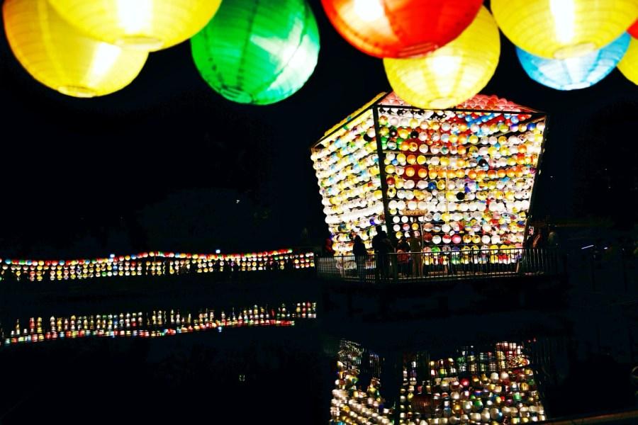[三峽旅遊]三峽廣行宮 三千盞燈籠點亮全台最大天燈~北部賞花燈隧道美景.廣受好評延長展示期間 @VIVIYU小世界