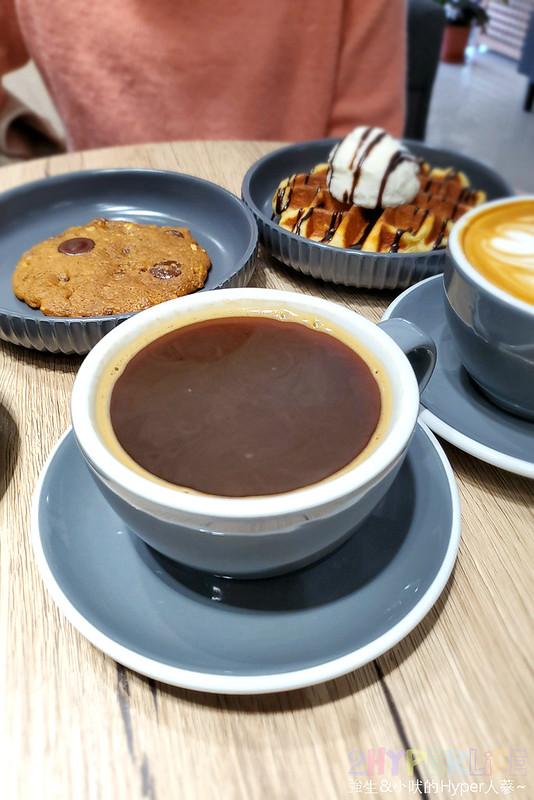 49527606448 a0f11bfd94 c - Brewsome Coffee│鬧中取靜的寧靜質感咖啡館,隔壁還有一間假的咖啡店可別走錯~