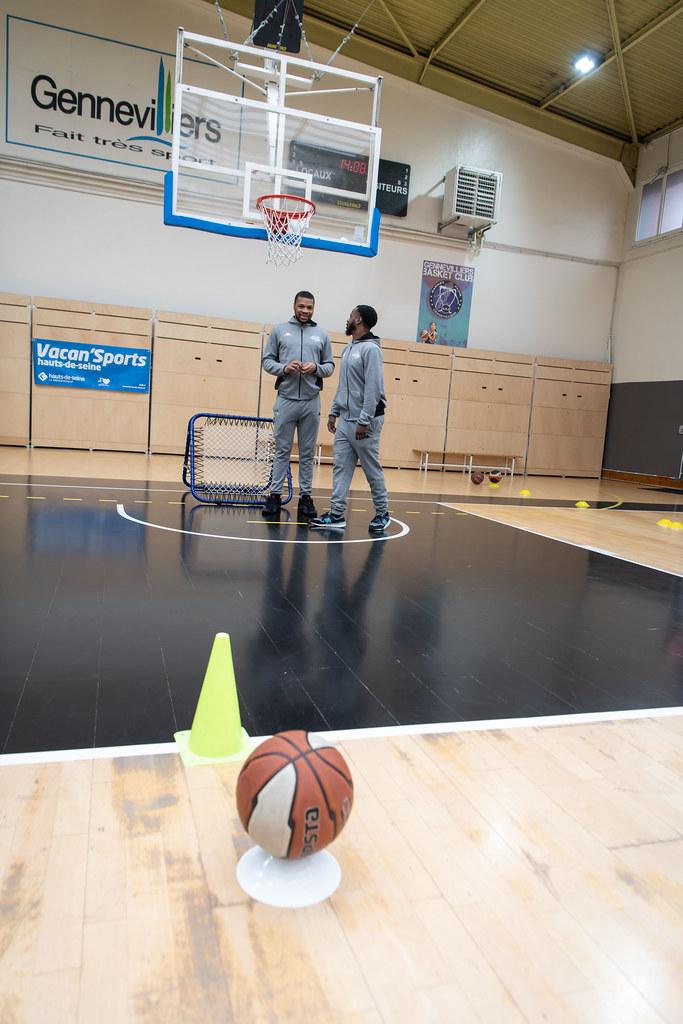 vacan sport basket rencontre avec l equipe de nanterre ville de gennevilliers