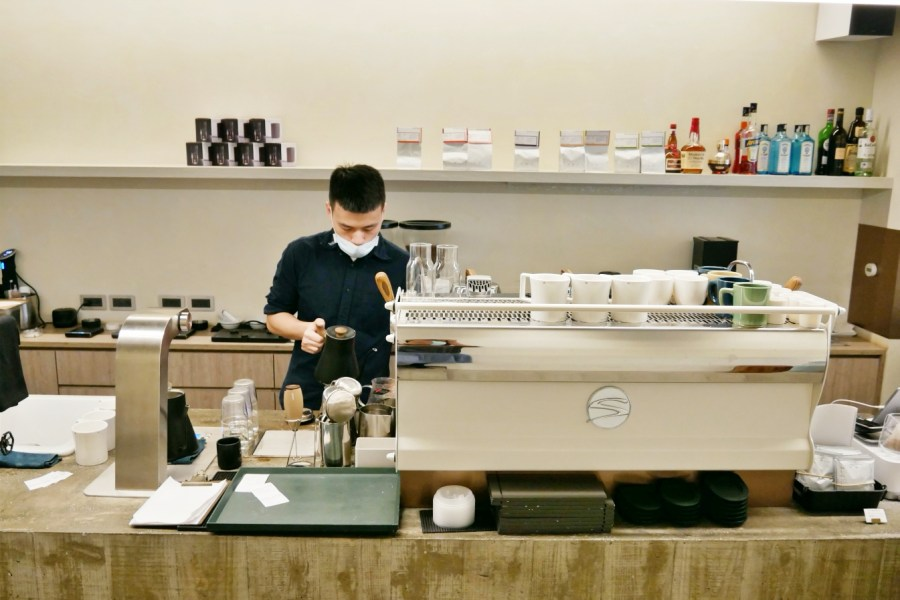 [台北美食]VWI by CHADWANG|世界沖煮大賽冠軍王策咖啡廳~東區微風百貨對面 @VIVIYU小世界