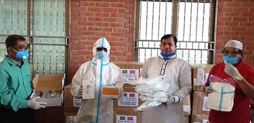 Gazipur-(3)- 27 March 2020-Corona (GCC Mayor Distribute PPE & Mask)-2