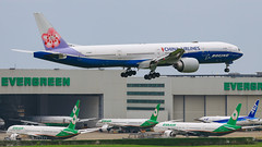 China Airlines B777-309(ER) B-18007 Boeing Livery