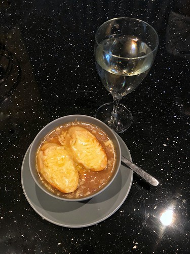 Today is all about...home-made French Onion soup ❤️