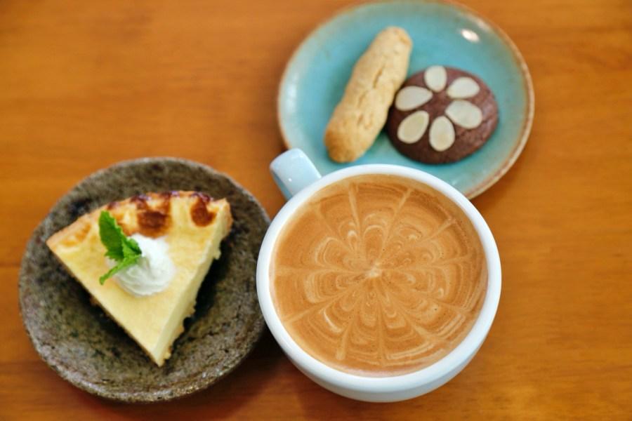 [苗栗美食]小樹的家咖啡民宿|每週僅營業三天.二、四、六~充滿異國風情的建築與親切的老闆 @VIVIYU小世界