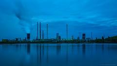 Blaue Stunde am Rhein bei Duisburg-Baerl