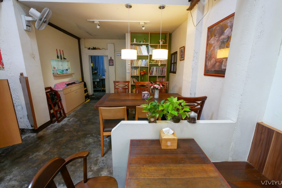 [大溪美食]花森早午餐咖啡|大溪老街附近老房子改造舒適用餐空間~當日壽星享花森特製鬆餅 @VIVIYU小世界