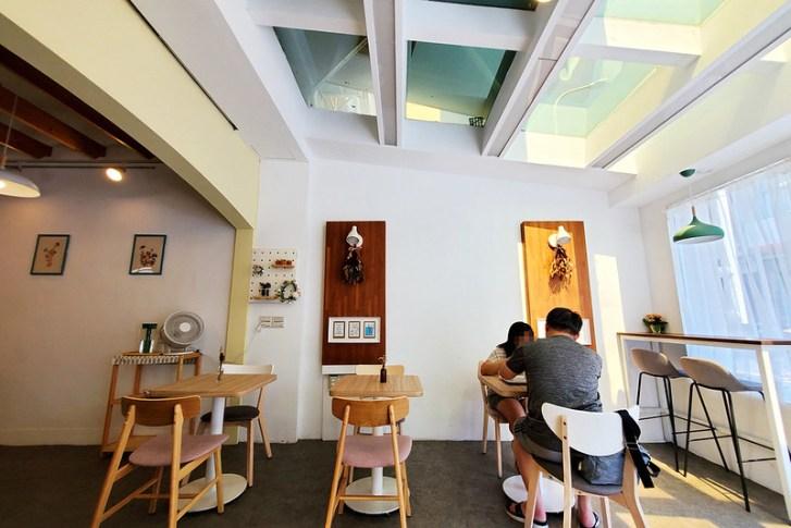 50228066603 cce50e3897 c - 一排民宅中很顯目的純白色小店,Little Oven走小清新韓系風格專賣雪花冰與甜點~