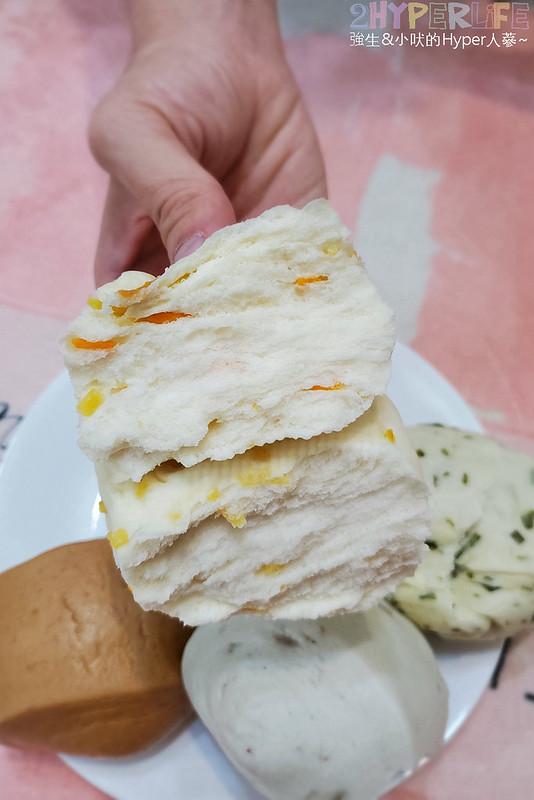 50339502013 d0c083c550 c - 一點利黃昏市場旁饅頭包子專賣,必吃一顆18元的蛋黃鮮肉包!