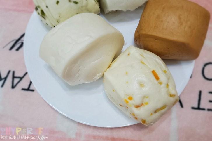 50340347152 1b0a5f9f38 c - 一點利黃昏市場旁饅頭包子專賣,必吃一顆18元的蛋黃鮮肉包!