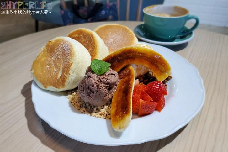 50369332008 beaa8765fa c - 從桃園開來台中的貴婦午茶風甜點,超厚舒芙蕾鬆餅吃完整個大滿足!