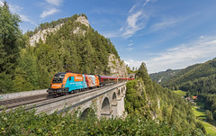 ÖBB 1116 229 en Railjet.  Krausel-Klause-Viadukt Semmeringbahn