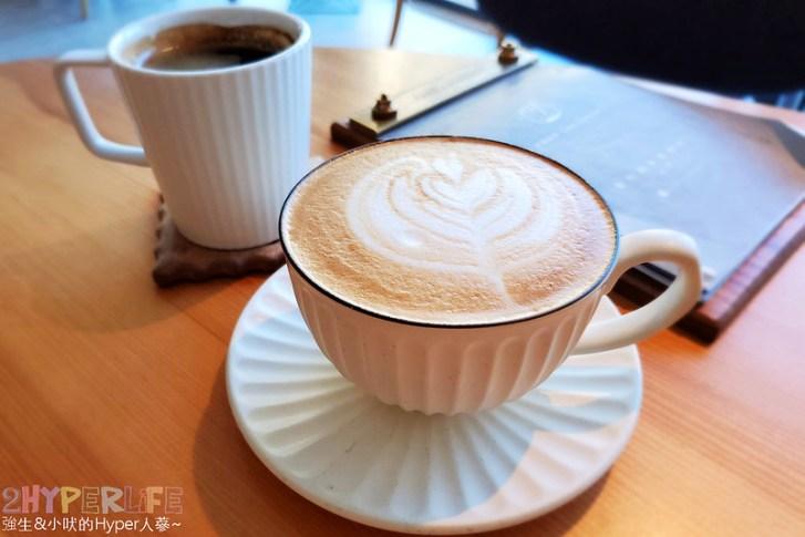 50637026518 4b4b736e0f c - 在有著最美窗景的咖啡館裡吃珍奶鬆餅太享受!走出堁夏咖啡就是台中歌劇院的空中花園~